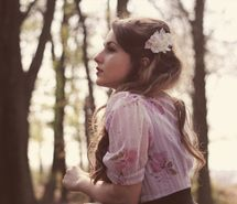 Inspiring picture beautiful, fashion, flower, girl, hair. Resolution: 500x324 px. Find the picture to your taste!