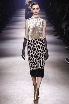 Dries Van Noten Fall 2016 Ready-to-Wear Collection Photos - Vogue...thought this was too simple initially but I keep coming back to it, it's the colour blocked velvet that makes it work...