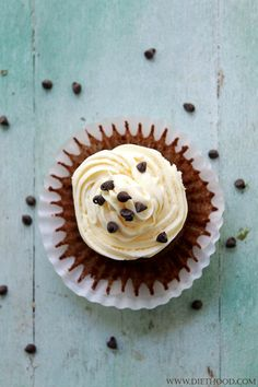 Chocolate Cinnamon Cheesecake Cupcakes | www.diethood.com | Delicious, homemade chocolate cupcakes filled and topped with an incredible cinnamon cheesecake frosting! | #recipe #cupcakes #chocolate