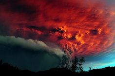 Volcanic ash being hit by the sunset. : Puyehue - Cordón Caulle Volcano. Ranco Province, Chile