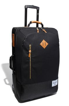 Diggin' this. I am in serious need of new luggage!