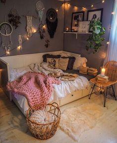 Cute Bedroom Decor, Cute Bedroom Ideas, Room Design Bedroom, Room Ideas Bedroom, Modern Bedroom, Comfy Room Ideas, Cozy Teen Bedroom, Emo Bedroom, Bedroom Ideas For Small Rooms Cozy