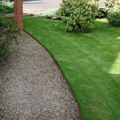 Make manual edging a thing of the past: the Ever Edge lawn system is a permanent, versatile and maintenance-free border for flowerbeds, vegetable gardens, pathways and trees that's attractive and easy to install. Edges are durably crafted from galvanized steel; they bend easily to follow corners and curves. Each edging piece interlocks with the next to form a continuous and tidy edge at the soil line; it's designed so you can mow right over it. The all-weather powdercoat finish i...