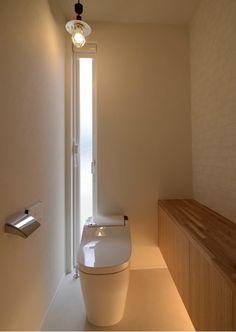 Japanese Modern, Japanese House, Modern Toilet, Natural Interior, Toilet Design, Fixer Upper, Wall Lights, Bathtub, Sink