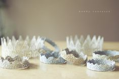 DIY glitter crowns from lace