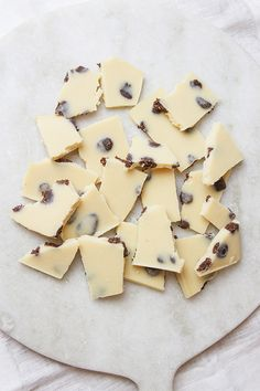 Cookies and Cream White Chocolate from Ascension Kitchen. Made with all natural, great-for-you ingredients and rich in healthy fats and other essential nutrients. Vegan, raw and sugar free.