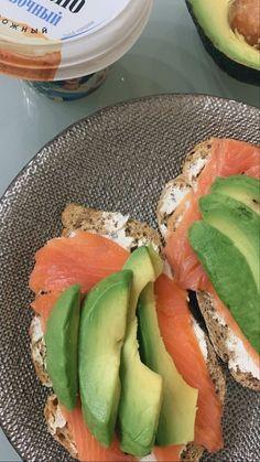 Think Food, Love Food, Healthy Snacks, Healthy Eating, Healthy Recipes, Comida Picnic, Food Goals, Aesthetic Food, Food Cravings