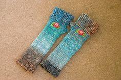 Ravelry: calror's mittens