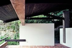 Alvaro Siza's mentor, Fernando Távora's tennis pavilion in Porto, 1960 Space Architecture, Architecture Details, Portugal, Interior And Exterior, Interior Design, Modern Ranch, Googie, Built Environment, Outdoor Rooms