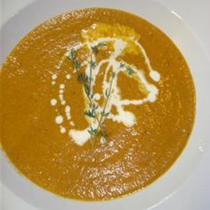 Cream of tomato and roasted red pepper soup