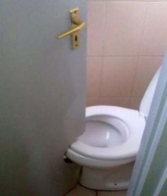 This Is Very Humor Picture Of A Toilet Door. In This Funny Picture The Door Of A Toilet Was Designed According To The Wrong Construction Of Bathroom. All This Happened Because Of Very Short Area Inside The Bathroom. Job Fails, Im An Engineer, Design Fails, You Had One Job, Jobs, Home Inspection, Just For Laughs, Funny Fails, Funny Captions