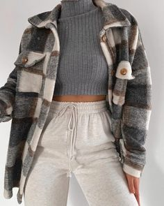 teenager outfits for school . teenager outfits for school cute Teenage Outfits, Winter Fashion Outfits, Look Fashion, Korean Fashion, French Fashion, Petite Fashion, 70s Fashion, Casual Autumn Outfits Women, Teenage Girl Gifts