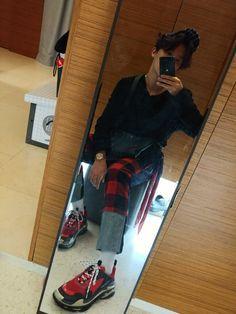 we're dedicated into making you fall in love with jung hoseok, the dancer and rapper of bts! Gwangju, Namjoon, Taehyung, Jung Hoseok, J Hope Selca, Bts J Hope, Jimin, Bts Bangtan Boy, Bts Boys