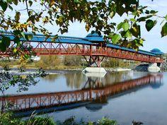 Passerelles, dans le centre-ville de Saint-Georges Saint Georges, Canada, Bridges, Montreal, Centre, Things To Do, Spaces, World, Nature