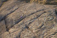 [Pin It] Comentar 14 JULIO 2012 Los petroglifos de Campo Lameiro ¿Sabes que a solo 20 kilómetros de Pontevedra se encuentra uno de los conjuntos de petrofligos más importantes de Europa? Te descubrimos el Parque Arqueológico de Campo Lameiro.