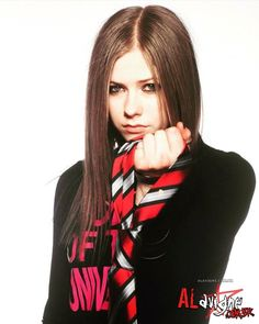 Find images and videos about Avril Lavigne and avril lavigne 2002 on We Heart It - the app to get lost in what you love. Grunge Style, Soft Grunge, Abbey Dawn, Tokyo Street Fashion, Le Happy, Grunge Outfits, Doc Martens, Giselle Rodriguez, Pixel Art