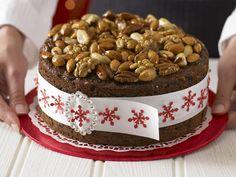 Nusstorte zu Weihnachten | Zeit: 40 Min. | http://eatsmarter.de/rezepte/nusstorte-zu-weihnachten