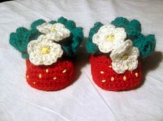 Strawberry Baby Booties CROCHET PATTERN Instant ♥ by PatternStudio1, $2.99
