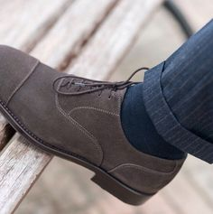 """""""Learning never exhausts the mind."""" - Leonardo da Vinci - --------------------------------------- """"Sèlvadegh"""", our #oxford in grey #suede leather available online at www.velasca.com. Link in profile to #shop. #velascamilano #madeinitaly #shoes #shoesoftheday #shoesph #shoestagram #shoe #fashionable #mensfashion #menswear #gentlemen #mensshoes #shoegame #style #fashion"""