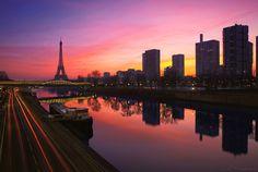 Photo Pont de Grenelle - Paris 6.53am par Cal Redback on 500px