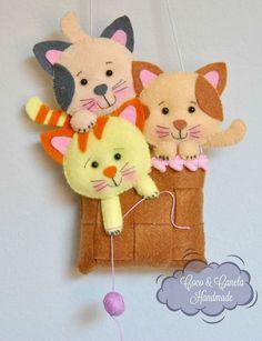 Hobbies And Crafts, Diy And Crafts, Crafts For Kids, Felt Crafts Patterns, Felt Gifts, Felt Mobile, Felt Decorations, Felting Tutorials, Sewing Art