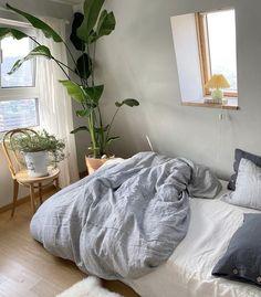 Room Design Bedroom, Room Ideas Bedroom, Bedroom Decor, Comfy Bedroom, Bedroom Inspo, Pretty Room, Aesthetic Room Decor, City Aesthetic, Aesthetic Fashion
