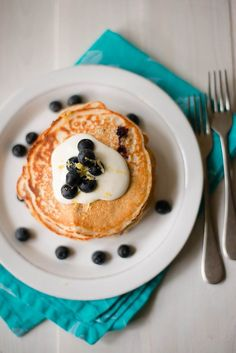 3. Lemon Blueberry High-Protein Pancakes #healthy #pancake #recipes http://greatist.com/eat/protein-pancake-recipes