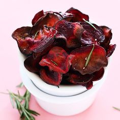 30-minute baked beet chips infused with rosemary. Salty, crispy, simple, and perfect for snacking on the go.