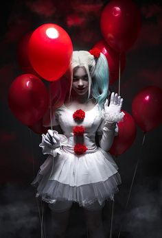 Cosplay Costume Christina Fink- Pennywise/Harley Quinn Crossover - More memes, funny videos and pics on Harley Quinn Et Le Joker, Harley Quinn Cosplay, Harley Quinn Drawing, Halloween Kostüm, Halloween Cosplay, Halloween Costumes, Halloween Makeup, Cosplay Anime, Cosplay Girls