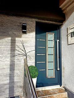 Aluminium front door ral 7016 Aluminium Front Door, Garage Doors, Outdoor Decor, Home Decor, Aluminium Doors, Green, Trendy Tree, Decoration Home, Room Decor