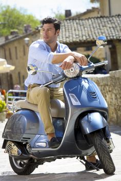 Superlative power and style: the #Vespa GTS is unrivalled on the market.