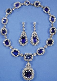 Royal Jewels of the World Message Board: Re: Queen Elizabeth II's Sapphire Jubilee - Sapphire Tiara & George VI Sapphires British Crown Jewels, Royal Crown Jewels, Royal Jewelry, Fine Jewelry, Princess Jewelry, Sapphire Necklace, Sapphire Jewelry, Sapphire Pendant, Necklace Set