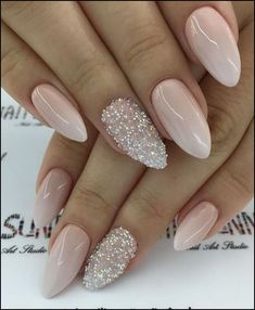 31 cool and classy prom nail art designs for glamorous look 2019 00042 Bride Nails, Prom Nails, Gorgeous Nails, Pretty Nails, Engagement Nails, Nagellack Design, Wedding Nails Design, Elegant Nails, Gel Nail Designs