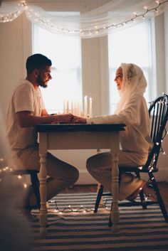 I love watching pictures of Halal Love / Cute Muslim Romantic Couples Photos holding hands and being happy. It makes me realize that true and meaningful love Cute Muslim Couples, Muslim Girls, Muslim Women, Romantic Couples, Cute Couples, Romantic Weddings, Real Weddings, Muslim Couple Photography, Wedding Photography