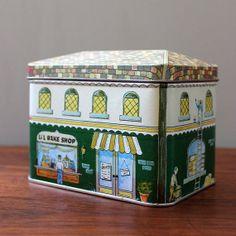 Village Bake Shop. Vintage 1980s tin recipe box ~ Pic 1 of 2