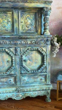 Furniture Painting Techniques, Chalk Paint Furniture, Funky Furniture, Refurbished Furniture, Art Furniture, Repurposed Furniture, Antique Painted Furniture, Furniture Makeover, Diy Furniture Renovation