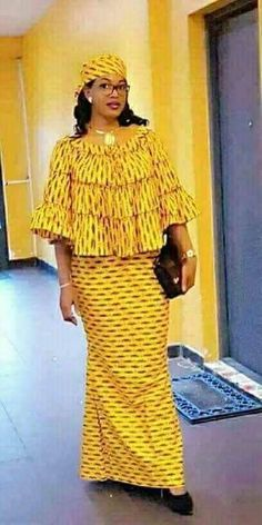 Looking for the best ankara fashion creative ideas and inspiration for your next fashion project? Look no further, here's the complete 2018 Most Creative Ankara Styles And Designs Long African Dresses, Latest African Fashion Dresses, African Print Dresses, African Print Fashion, Africa Fashion, Ankara Fashion, 50s Dresses, Elegant Dresses, African Attire