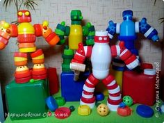 bonecos. Recycled Robot, Recycled Crafts, Diy And Crafts, Bottle Top Art, Bottle Top Crafts, Plastic Bottle Caps, Recycle Plastic Bottles, Projects For Kids, Diy For Kids