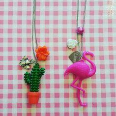 Sleutelhangers van Hema opgeleukt naar ketting Cheap Jewelry, Key Chain, Alice In Wonderland, Belly Button Rings, Dream Catcher, Garland, Ceiling, Craft Ideas, Crafts