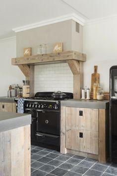 Kitchen Hood Design, Kitchen Vent, Kitchen Dinning Room, Open Plan Kitchen Living Room, Barn Kitchen, Rustic Kitchen, Interior Design Kitchen, New Kitchen, Kitchen Decor
