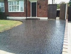 41 Super Ideas For House Front Driveway Stamped Concrete Driveway Paint, Diy Driveway, Driveway Design, Driveway Landscaping, Modern Landscaping, Block Paving Driveway, Imprinted Concrete Driveway, Diy Concrete Patio, Concrete Driveways