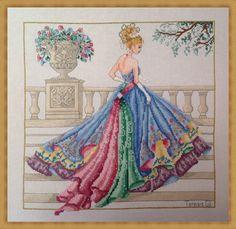 Princesse Grace Ball Gown-Haute Couture des années 1950 mode style compté Cross point graphique motif Téléchargement instantané par TeresaGilCrossStitch