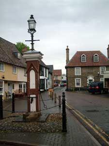 Mildenhall - the parish pump in the marketplace (city centre)