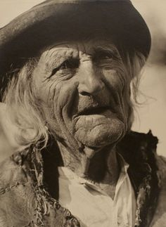 """yama-bato: """" Karel Plicka Stary horal (Old Mountaineer), 1930 Gelatin silver print (black & white) 3 x 4 inches """" Old Faces, Gelatin Silver Print, Beautiful Lines, Lee Jeffries, Close Image, Old Things, Black And White, Pictures, Photography"""