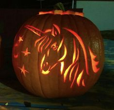 Unicorn Pumpkin Stencil, Scary Pumpkin Carving Patterns, Funny Pumpkin Carvings, Disney Pumpkin Carving, Halloween Pumpkin Carving Stencils, Amazing Pumpkin Carving, Easy Pumpkin Carving, Dog Pumpkin, Skull Pumpkin