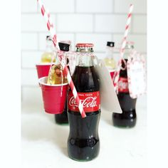Oh mini rum and cokes. Our inner college kid hearts are beating fast!Photo from: Coca Cola Wedding, Tequila Shots, Man And Wife, Wedding Gifts For Groom, Wedding Toasts, Guest Gifts, When I Grow Up, Champs, Rum