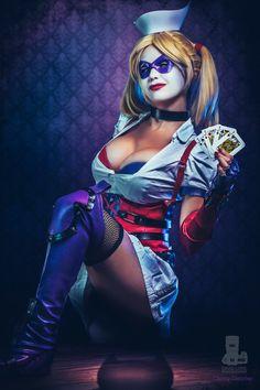 Character: Harley Quinn (Dr. Harleen Quinzel) / From: Warner Bros. Interactive Entertainment's 'Batman: Arkham Asylum' Video Game / Cosplayer: Danny Cozplay / Photo: David Love Photography (truefd)