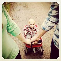 #wagon #rustic #love #happy #family #photoshoot #photography #instafollow #instagood #kiss