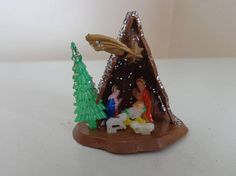 Vintage Christmas Miniature Nativity 1960's Made In Hong