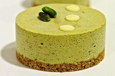 Mini Foods, Pistachio, Birthday Wishes, Cornbread, Minion, Frosting, Muffins, Ice Cream, Pudding
